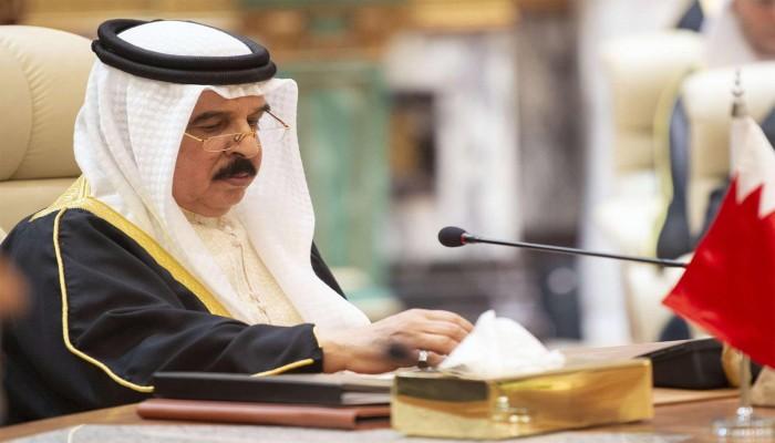 ضربة مبكرة لجهود المصالحة.. البحرين تعلن رسميا تغيب ملكها عن القمة الخليجية بالسعودية