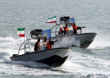 وسط تصاعد التوتر.. إيران تنفذ مناورات بحرية في مياه الخليج