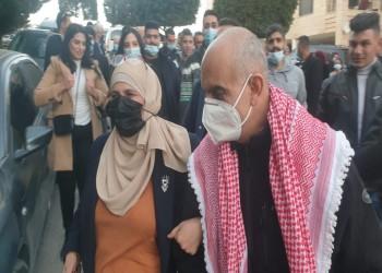 إطلاق سراح أسير فلسطيني قضى 18 عاما بسجون إسرائيل