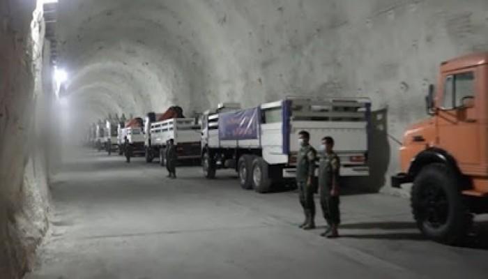 بعد قاذفتي أمريكا.. إيران تكشف عن قاعدة صواريخ على سواحل الخليج (فيديو)