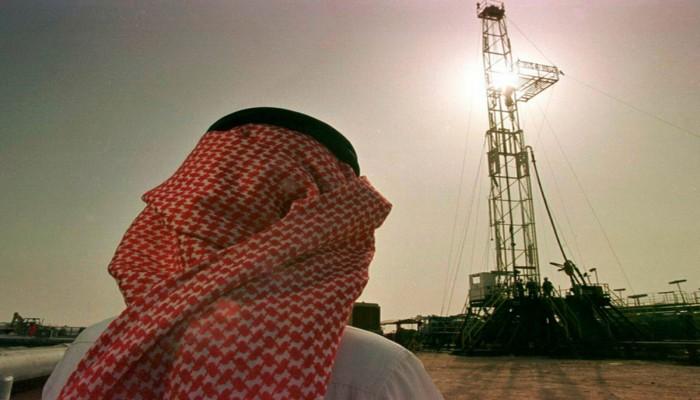 بعد تخفيضات سعودية.. أسعار النفط عند أعلى مستوى منذ 11 شهرا مجددا