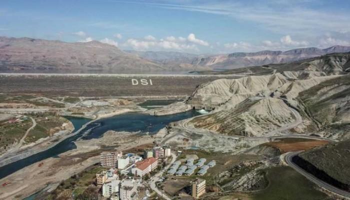 وزير عراقي يحذر من أزمة مياه في هذه الحالة
