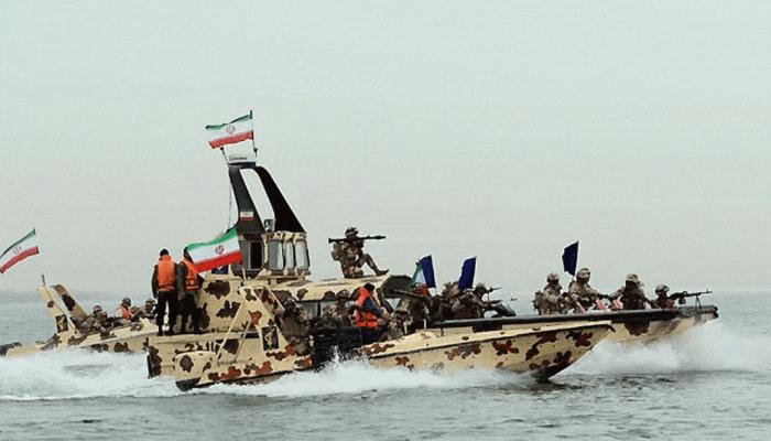 الحرس الثوري: نسيطر على مياه الخليج وعلى أمريكا الانسحاب