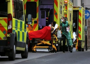 وزير الصحة البريطاني: كل البالغين سيتلقون لقاح كورونا بحلول الخريف
