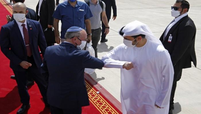 فورين بوليسي: الإمارات صديقة إسرائيل الحميمة قد تدفع الأسد للتطبيع