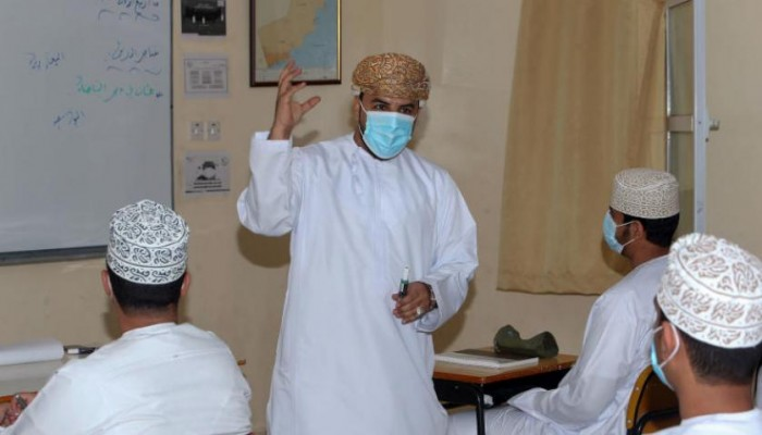 عمان تبدأ العودة التدريجية للمدارس من الأحد المقبل