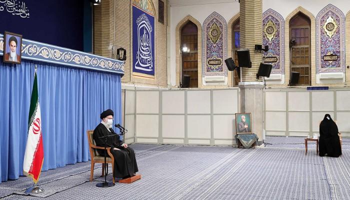 شملت مؤسستين تابعتين للمرشد..واشنطن تفرض عقوبات جديدة على إيران