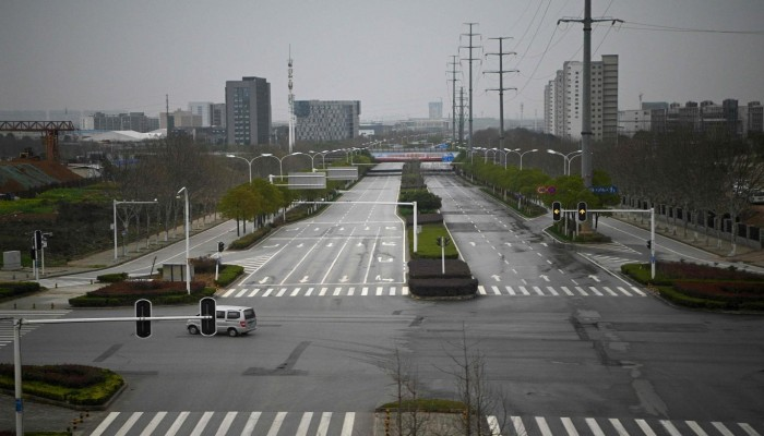 بعد عام من الجائحة.. فريق الصحة العالمية يصل إلى ووهان الصينية