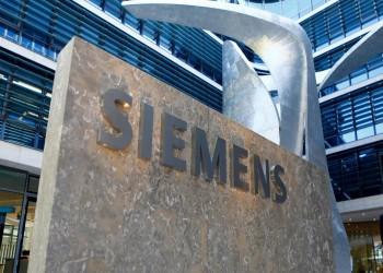 يمر بالعاصمة الجديدة.. مصر توقع مع سيمنز لإنشاء قطار فائق السرعة بـ23 مليار دولار