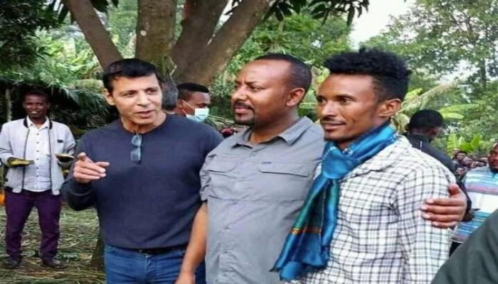 صور دحلان بجوار آبي أحمد تثير جدلا.. في إثيوبيا منذ 7 يناير