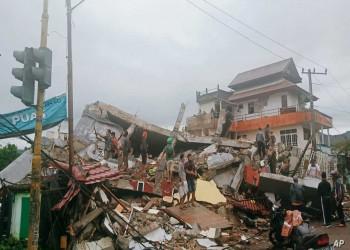 مصرع أكثر من 34 في زلزال إندونيسيا وتخوف من تسونامي