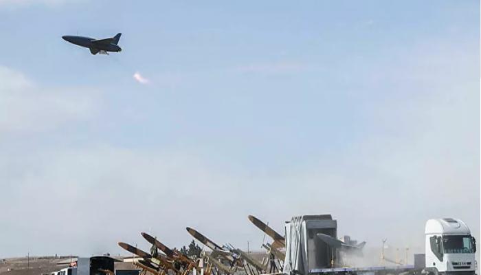 بعد دمج سلاحين.. إيران تعلن ولادة قوة عسكرية جديدة