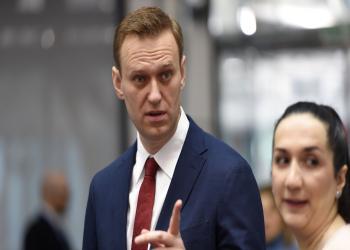 بعد اتهامها بتسميمه.. السلطات الروسية تعتقل نافالني فور عودته لموسكو
