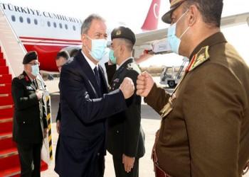 وزير الدفاع التركي يصل بغداد لبحث مكافحة الإرهاب