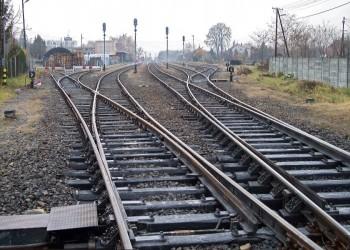 تركيا وإيران توقعان 3 مذكرات تفاهم في مجال السكك الحديدية