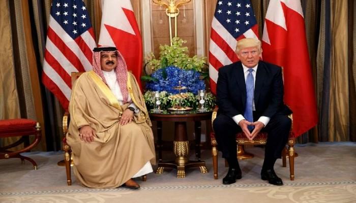ترامب يواصل سداد فواتير التطبيع.. ويمنح عاهل البحرين وساما من الدرجة الأولى
