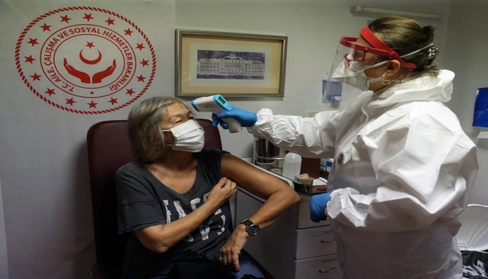 تركيا.. تطعيم أكثر من مليون شخص بلقاح كورونا