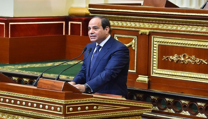 مصر تمدد حالة الطواريء مجددا في ذكرى الثورة