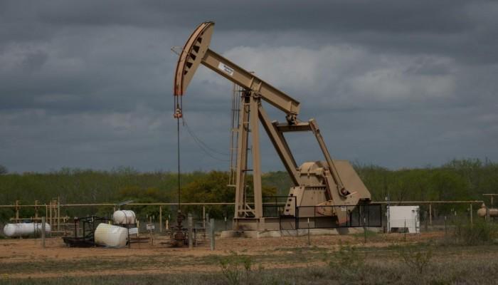 انخفاض جديد لأسعار النفط بعد زيادة المخزونات الأمريكية