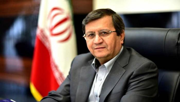 محافظ البنك المركزي الإيراني يصل إلى مسقط لبحث العلاقات الثنائية