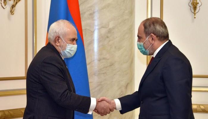 ظريف من يريفان: أرمينيا جار مهم لإيران ووحدة أراضيها خط أحمر