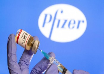 لقاح فايزر-بيونتيك يربك حملة التطعيم ضد كورونا بسلطنة عمان