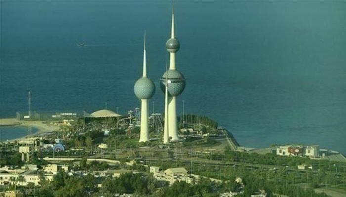 رئيس وزراء الكويت يلتقي قائد القوات الأمريكية بالشرق الأوسط