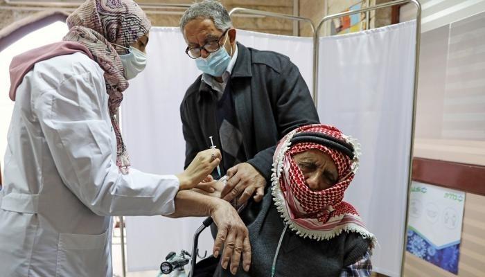 لمعاقبة حماس.. الاحتلال الإسرائيلي يحظر وصول لقاحات كورونا إلى غزة