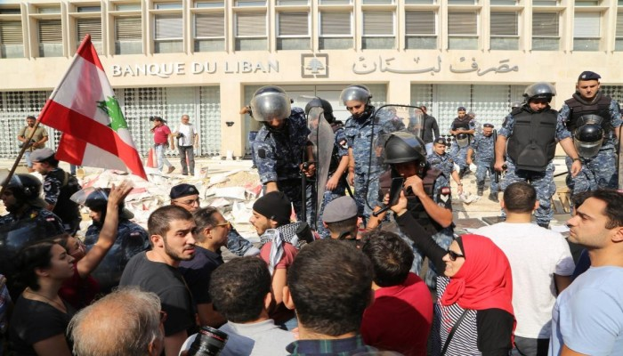رياض سلامة خطر على لبنان