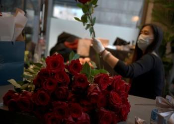 تركيا تعفي بائعي الورود من قيود حظر التجول في عيد الحب