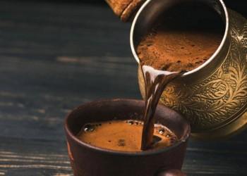 دراسة: القهوة تقلل خطر الإصابة بفقدان السمع عند الرجال