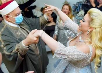 رقص عبدالفتاح مورو مع فنانة تونسية يثير سجالا ساخنا بمواقع التواصل
