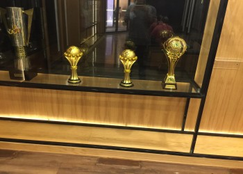 بتفسير غريب.. مصر تغلق ملف فضيحة سرقة كؤوس المنتخب من اتحاد الكرة