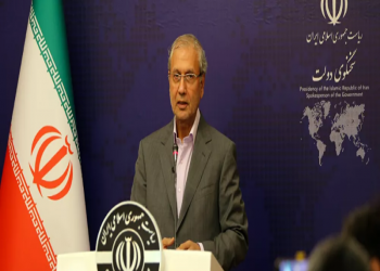 إيران: نثق في رفع وشيك لجميع العقوبات