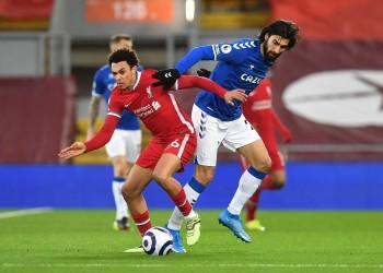الهزيمة الرابعة على التوالي.. ليفربول يسقط أمام إيفرتون بأنفيلد (فيديو)
