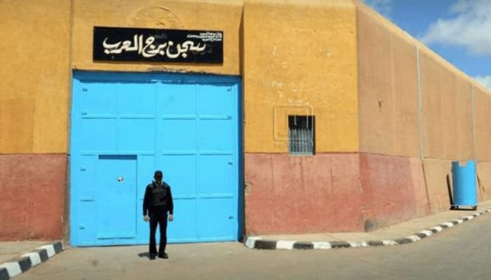 الإهمال الطبي يودي بحياة معتقل جديد في السجون المصرية