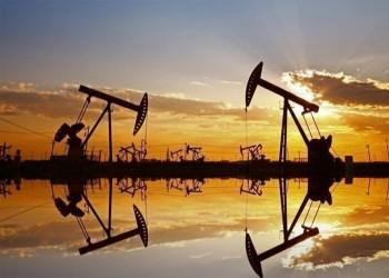 النفط يرتفع مع تباطؤ الإنتاج الأمريكي جراء عواصف الشتاء