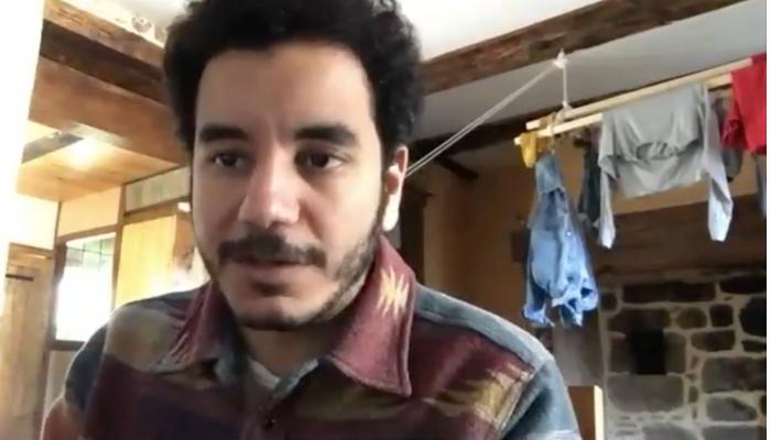 حظر فنان مصري على كلوب هاوس ومخاوف من الرقابة العربية لمحادثاته