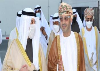بعد نظيريه السعودي والإماراتي.. وزير خارجية الكويت يصل إلى عمان