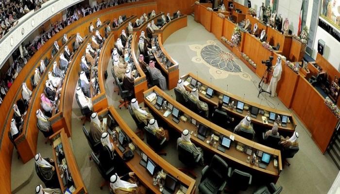 بين الحكومة والرأي العام.. هل تلعب المعارضة الكويتية لعبة خاسرة؟