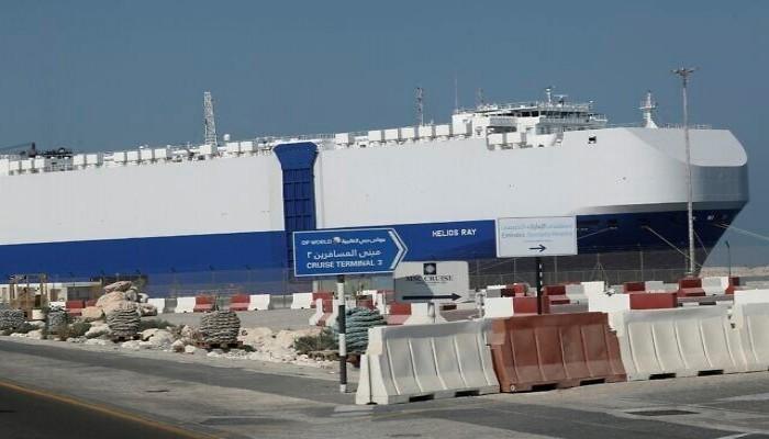 سفينة إسرائيلية تعرضت لانفجار ببحر عمان تصل إلى دبي