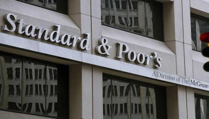 ستاندرد آند بورز يتوقع تراجع عجز ميزانيات الخليج خلال أشهر