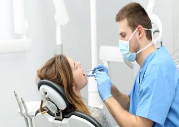 رغم خطورة وظائفهم.. انخفاض عدوى كورونا لدى أخصائيي صحة الأسنان