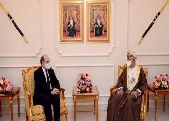 بن والاس يبحث في مسقط العلاقات العمانية البريطانية