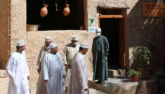 عمان.. التشهير بمواطنين انتهكوا إجراءات كورونا