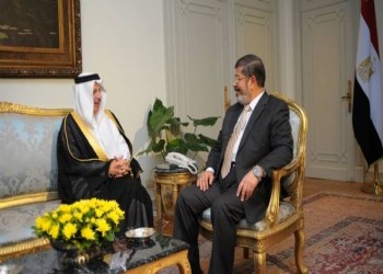 قطان: مرسي لم يصرف دولارا من مساعدات السعودية.. وناشطون يعلقون
