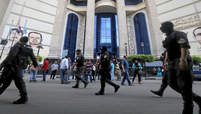 تزامنا مع انتخابات نقابتهم.. مصر تفرج عن 3 صحفيين معتقلين