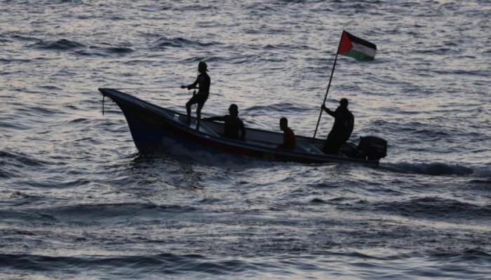 إسرائيل نفت مسؤوليتها.. مقتل 3 صيادين في غزة بانفجار صاروخ