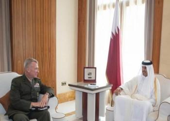 أمير قطر وقائد القيادة الأمريكية في الشرق الأوسط يبحثان تعزيز العلاقات