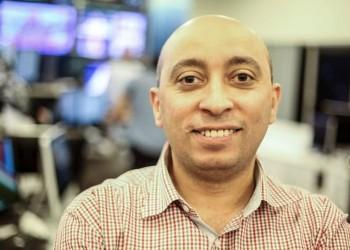 أسرة صحفي مصري معتقل منذ عام تطالب السلطات بإطلاق سراحه